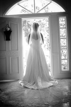 wedding short hair with long veil