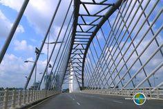 Seri Saujana Bridge is an elegant, futuristic bridge in Putrajaya. Putrajaya, Bridges, Futuristic, Travel Tips, Asia, Travel Advice, Travel Hacks