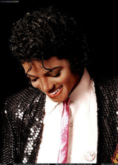 Michael Jackson, the King of Pop, died in 2009 at age 50 of cardiac arrest, caused by an overdose of the anesthetic, Propofol. The Jackson Five, Jackson Family, Mike Jackson, Paris Jackson, Michael Jackson Fotos, Lynn Goldsmith, Rock And Roll, King Of Music, The Jacksons