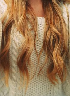 Warm honey blonde hair for fall and other fall hair color trends. (my hair came out like this after using One & only hi lift neutral blonde w/ 30 developer.had years of washed out red dye in dark ash blonde natural hair. Fall Blonde Hair, Honey Blonde Hair, Fall Hair, Golden Blonde, Blonde High, Red Blonde, Warm Blonde, Beach Blonde, Light Blonde