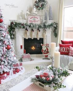 Beautiful Christmas Mantel Decor!