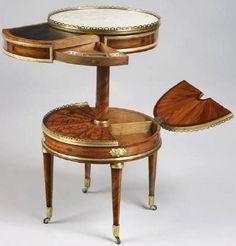 Table 'Guéridon' à Rangements Secrets - Bois de Rose Marqueté - Martin Carlin - Epoque Louis XVI