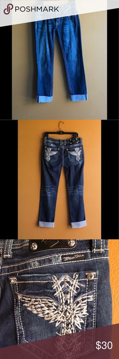 Miss Me Blue Jeans Rhinestones pockets size 30 Jeans by Miss me , size 30, skinny jeans, rhinestones and large thick stitching throughout, heave silver buttons, size 30 waist and 34 length. 98% cotton and 2% elastin excellent fashionable condition Miss Me Jeans Skinny