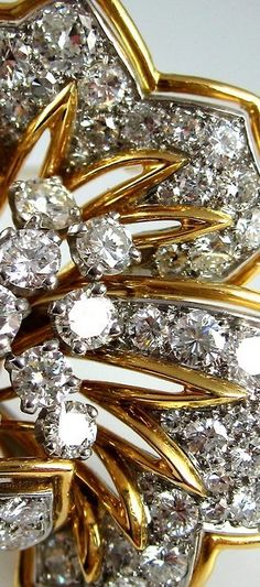 French Yellow Gold and Platinum Diamond Brooch details