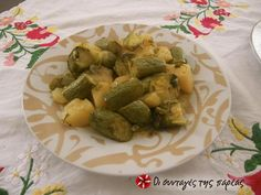 Zucchinis and potatoes stew Snack Recipes, Cooking Recipes, Healthy Recipes, Healthy Meals, Snacks, Greek Recipes, Desert Recipes, Greece Food, Stewed Potatoes