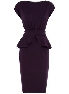 Another cute sold-out dress from Dorothy Perkins. Oh well, loving the sophisticated silhouette/look of this classic peplum LBD.
