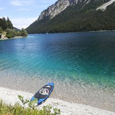 SUP#sundayfunday #weekend #relaxing #planseelake #sunshine #hot #bluewater #crystalclearwater #reutte #daheimindenbergen #mountains #naturparkregionreutte #nature #lake #tirol #motherearth #reutteurlaub #tyrol Crystal Clear Water, Mountain S, Sunday Funday, Park, Mother Earth, Surfboard, Sunshine, Hot, Nature