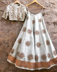 Unique and thoughtful craftsmanship makes our outfit different and even reserves its value for the future. Bridal Lehenga Store flawlessly modernizes Indian costumes and patterns for the millennial bride. Designer Bridal Lehenga, Indian Bridal Lehenga, Red Lehenga, Indian Skirt, Indian Dresses, Indian Outfits, Indian Clothes, Indian Attire, Indian Wear