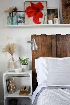 Une jolie tête de lit DIY avec des palettes