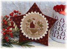 Tous les ans, je me régale avec les grilles sur le thème de Noël....   l' occasion de confectionner de nouvelles petites décos ....   l' oc...
