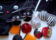 DIY burlesque pasties!  super cute idea for valentine's day? ;D