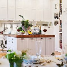 What a fabulous white kitchen! Perfect for entertaining and celebrating life! So open, inviting yet elegant and just simply fantastic! Upper Cabinets, Kitchen Cabinets, Cupboards, Kitchen Island, Dream Properties, Kitchen Gallery, 3d Max, White Rooms, Home Look