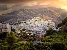 Andalucia, Spain is so gorgeous!  I'd love to take a trip through Spain to Andalucia, Granada, Valencia and Madrid!