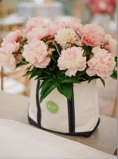 preppy totes + peonies | Ritzy Bee Events | Kate Headley photography