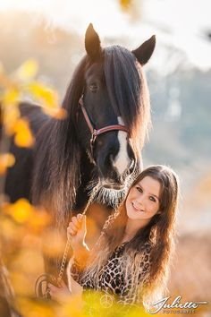 Horses are the best Vintage Senior Pictures, Horse Senior Pictures, Pictures With Horses, Teen Pictures, Horse Photos, Horse Girl Photography, Equine Photography, Beautiful Horses, Animals Beautiful