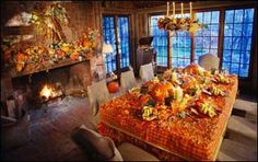How gorgeous is this Thanksgiving dinner table set up? Thanksgiving Table, Thanksgiving Decorations, Thanksgiving Recipes, Seasonal Decor, Table Decorations, Holiday Decorations, Fall Home Decor, Autumn Home, Dinner Table Set Up