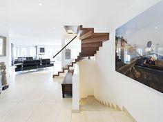 Designtreppen perfekt eingepasst die die Architektonische Umgebung www.sillertreppen.com