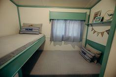 Mobil Homes en alquiler en el camping situado en primera línea de mar, en la Costa Dorada. Cinque Terre, Bunk Beds, Furniture, Home Decor, Beach Feet, El Dorado, Decoration Home, Loft Beds, Room Decor