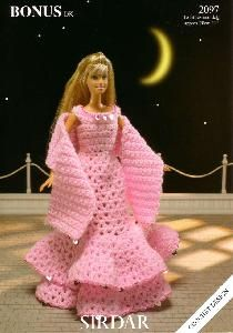 Image detail for -Sirdar Evening Dress Wrap for Barbie Doll Crochet pattern 2097 Barbie Clothes Patterns, Crochet Barbie Clothes, Crochet Dolls, Doll Patterns, Knitting Patterns, Crochet Patterns, Crochet Wrap Pattern, Cute Crochet, Beautiful Crochet