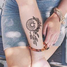Small Dreamcatcher Forearm Tattoo Ideas for Women - Black Henna Tribal Boho Feat. Small Dreamcatcher Forearm Tattoo Ideas for Women - Black Henna Tr Wörter Tattoos, Boho Tattoos, Best Sleeve Tattoos, Feather Tattoos, Wrist Tattoos, Trendy Tattoos, Body Art Tattoos, Small Tattoos, Tattoos For Guys