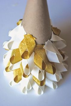 Easy Christmas Craft Ideas: Ribbon Trees.