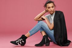 H&M Tuxedo Jacket, Cotton T-Shirt, Slim Regular Ankle Jeans and Ankle Boots