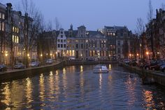 Amsterdam welcomes other cultures with open arms. Europe in your hands with Traveler Destinos Oficial