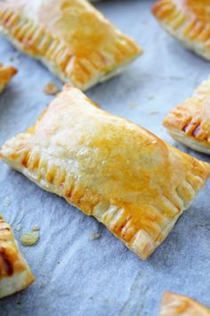 Oven Baked Curry Puffs - Scruff & Steph - Whenever I feel the need to be popular with friends or family, I make a batch of these oven baked c - Savory Pastry, Flaky Pastry, Puff Pastry Recipes, Savoury Pies, Pastries Recipes, Curry Recipes, Beef Recipes, Cooking Recipes, Snacks Recipes