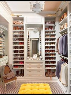 #Closet inspiration --------------------------- For tips on how to create your dream #wardrobe, visit my Blog!! www.jensetter.com/2013/10/organizing-tips.html ---------------------------