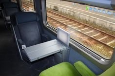 Listen at various speeds, also includes both French & English text. Chapitre 1 - Rencontre Dans Un Train - Learn French Learn French Free, Free In French, French Articles, French Resources, Core French, French Class, Spanish Class, French Teacher, Teaching French