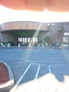 Hilltop Mall, Richmond, CA. This was the entrance to get to the original ice rink and Scoopy's. Ahh, memories!