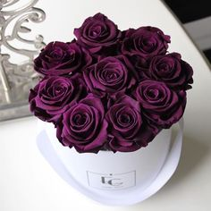 Life is like roses, be style and gorgeous! Flower Box Gift, Flower Boxes, My Flower, Beautiful Rose Flowers, Beautiful Flowers, Simply Beautiful, Bouquet Box, Rose Violette, Lavender Garden
