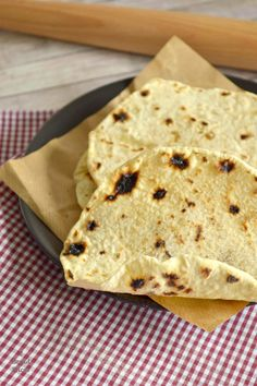 Cómo hacer Pan Chapati. Pan plano Indio. - 2 Bread Slices Chapati, Roti, Pan Indio, Types Of Bread, Tostadas, Scones, Pizza, Tortillas, Taco