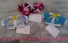 Lembrancinhas de Maternidade  Mini casaquinhos de crochê, confeccionados em linha 100% algodão de ótima qualidade.  Aceita-se encomendas pelo e-mail: marciacrystal2014@gmail.com