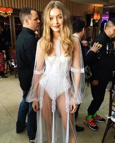 And then time stopped for @gigihadid  #flas2016