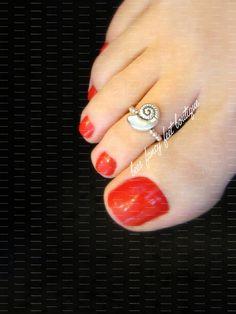 Toe Ring Designs, Anklet Designs, Pretty Toe Nails, Pretty Toes, Silver Toe Rings, Silver Anklets, Beach Pedicure, Pedicure Ideas, Ankle Bracelets