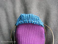 Og tåen er ved at være der Knitting Socks, Knitted Hats, Knitting For Beginners, Chrochet, Baby Booties, Projects To Try, Slippers, Beanie, Booty