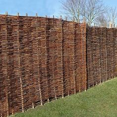 Buy Waltons 4 x 6 Willow Natural Woven Hurdle Garden Fence Panel at Waltons Garden Buildings. UK made sheds, cabins and more. Willow Fence Panels, Wooden Fence Panels, Bamboo Garden Fences, Garden Privacy, Privacy Screens, Cheap Mulch, Gravel Walkway, Front Porch Makeover, Garden Buildings