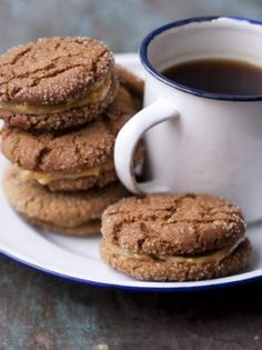 Ginger nuts with butterscotch cream.