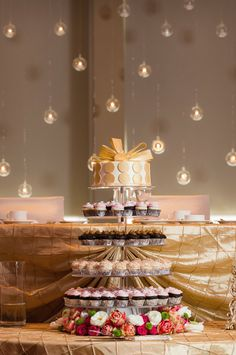 Details - Wedding Cake Photo by Troy St Louis Photography