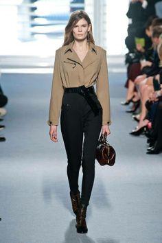 Hogy tetszett a Louis Vuitton párizsi divatbemutatója? #fashionfave #louisvuitton #parisfashionweek #paris #LV #fashion #fashionweek #pfw