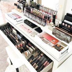 #BeautyStorage #MakeUpStations #MakeupRoom Makeup Collection Storage, Diy Makeup Storage, Make Up Storage, Makeup Drawer, Makeup Vanities, Ideas Decoracion Salon, Hack Ikea, Rangement Makeup, Makeup Organization