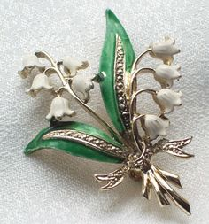 RARE VINTAGE JEWELLERY SIGNED EXQUISITE ENAMEL LILY OF THE VALLEY BROOCH/PIN. SOLD.