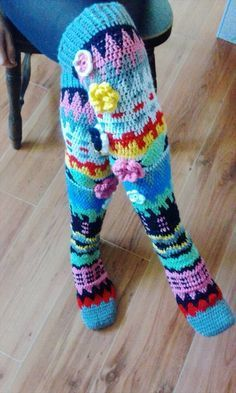 This is a Crochet PATTERN to make the knee socks yourself, not a finished socks that gets shipped to you. Difficulty: ADVANCED ===================== You must have knowledge of working tapestry crochet! Crochet Socks Pattern, Gilet Crochet, Crochet Diy, Crochet Boots, Crochet Slippers, Love Crochet, Crochet Crafts, Knit Patterns, Crochet Clothes