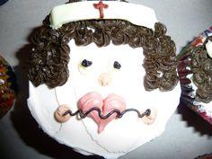 nurse cupcake Nurse Cupcakes, Crown, Jewelry, Corona, Jewlery, Bijoux, Jewerly, Jewelery, Crowns