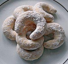 Puddingkipferl 7 German Cake, Christmas Baking, Cake Cookies, Bagel, Biscotti, Doughnut, Nutella, Sushi, Sausage