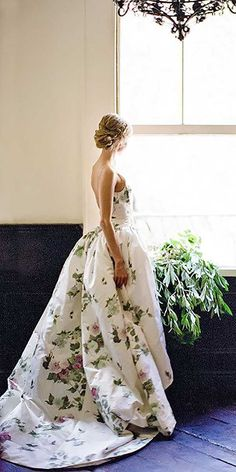 24 Floral Wedding Dresses That Are Incredibly Pretty ❤ Our gallery of floral wedding dresses are for non traditional brides. See more: http://www.weddingforward.com/24-floral-wedding-dresses-incredibly-pretty/ #wedding #dresses #floral