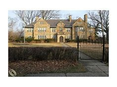 """The Lavish """"Stone Hedge"""" Mansion Of Former Tigers Owner Walter O. Briggs Can Be Yours For Less Than $500 K - On the Market - Curbed Detroit"""