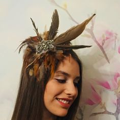 "Jennifer on Instagram: ""Isotta modeling my Brown Feather Headpiece like a pro!💗🌞🌸✨you can DM me to buy any of these headpieces 1-2 days to get them ready for…"" Boater Hat, Wide-brim Hat, Feather Headpiece, Fascinator, Cream And Gold, Green And Grey, Compliments, Colour Black, Color"