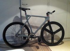 i just love this frame, it feels like a Cinelli just must more cheaper..   :-)